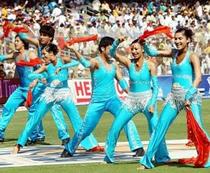 https://elivecricketstream.files.wordpress.com/2010/04/mumbai-indians-cheerleaders.jpg?w=300