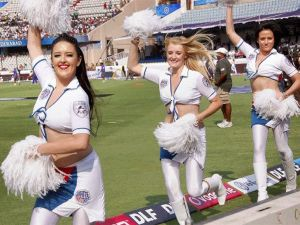 Hot Cheerleaders Photos - IPL Hot Cheerleaders Photos, IPL 2011 Sexy Cheerleaders Wallpapers,  Deccan Chargers Cheerleaders