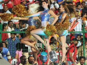 Hot Cheerleaders Photos - IPL Hot Cheerleaders Photos, IPL 2011 Sexy Cheerleaders Wallpapers,Mumbai Indians Cheerleaders